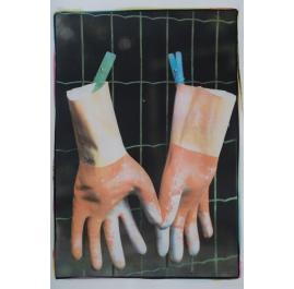 """Handschoenen, uit de serie """"kindertehuis"""""""